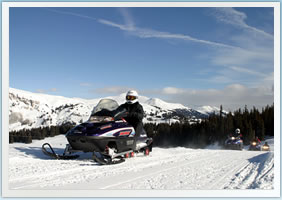 Vail & Beaver Creek Snomobiling Tours & Snowmobile Rentals